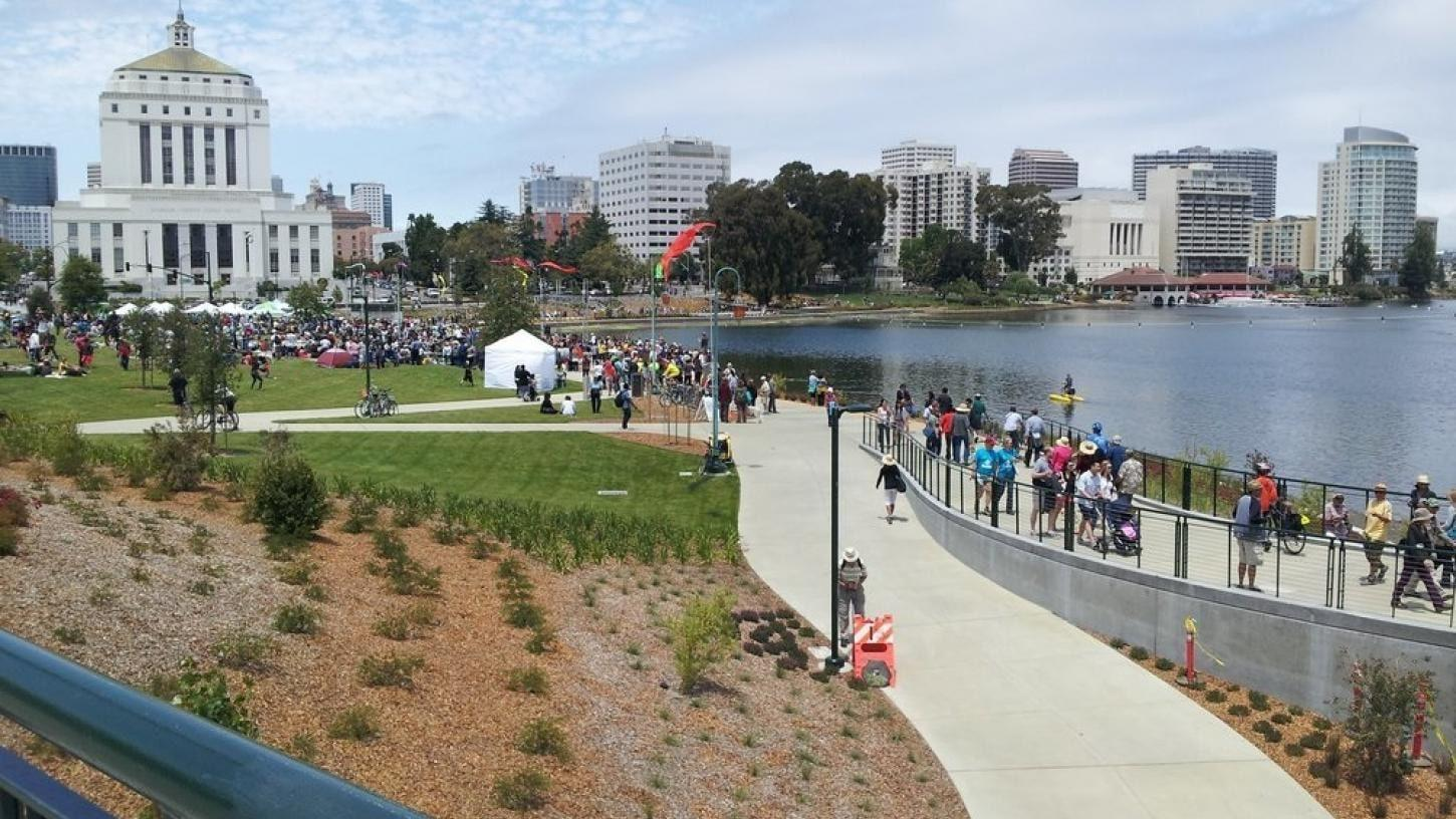 A view of the park by Lake Merritt